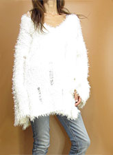 Knit217 Side-Slit Damaged Fuzzy Sweater/Ivory