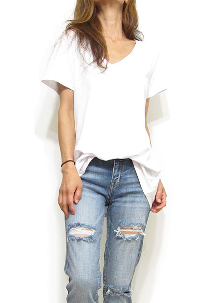 Tops756 Basic Oversized V-Neck T-Shirt/White